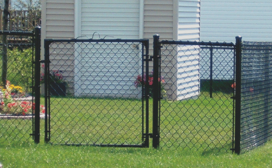 Chain link fences are made of metal so they are strong and durable and also very budget-friendly. Their minimalist design is great for those who want good visibility and who also want to maintain security at their property. Chain link fences also comes in many styles and colors.